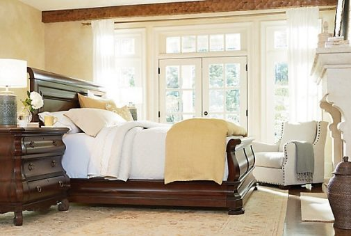 Traditional Sleigh Bed