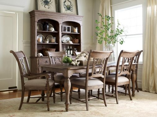 Casual Dining Table & Chairs