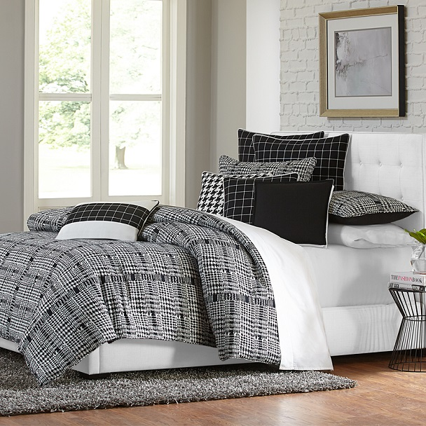 Bed with Black & White Bedding