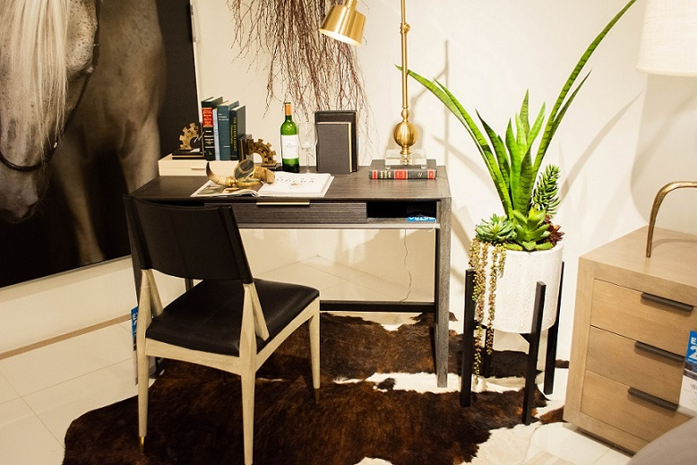 Stylish Writing Desk with Lamp & Plant