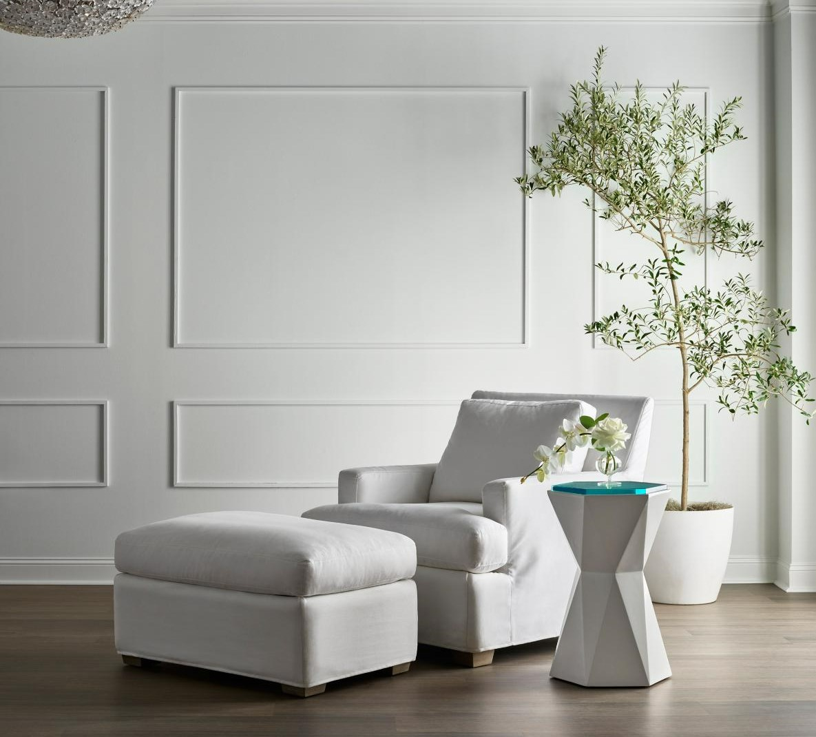 Post image for 5 Accent Tables to Help Make Your Living Room Pop