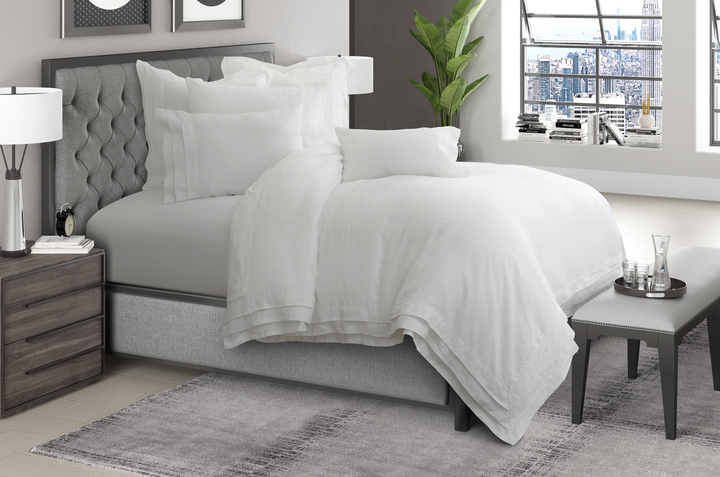 Post image for How to Make a Bed Look Luxurious: Our Luxury Bedding Spotlight